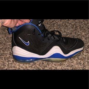 Nike's 7y
